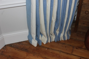 curtain hanging service