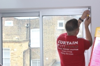 Fitting roller blinds by FITT ERIND