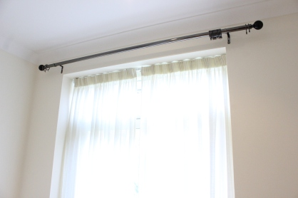 curtain pole fitted in twickenham