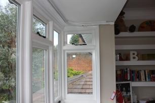 bay window curtain rail