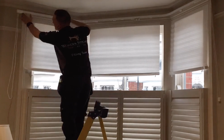 Bay Window two bend heavy duty metal curtain rail supplied and fitted in Esher. Real timelapse video showing our fitters in action.